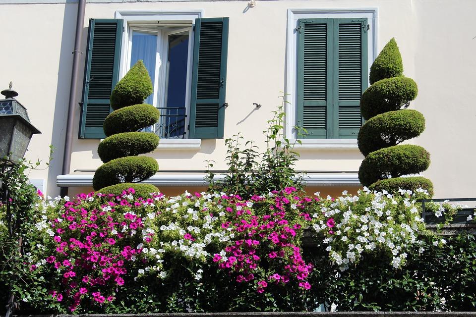 i vasi sul balcone quali scegliere per l estate